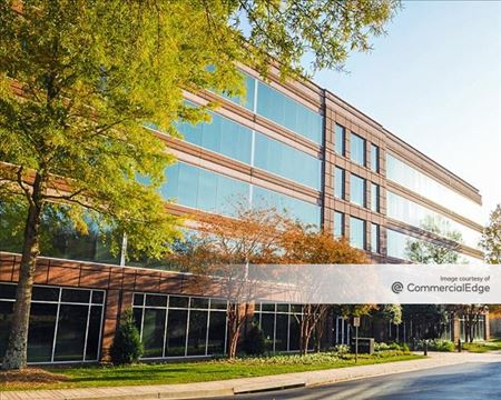 Spalding Triangle Office Park - 5445 Triangle Pkwy - Norcross