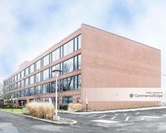 Shrewsbury Professional Center - Tinton Falls
