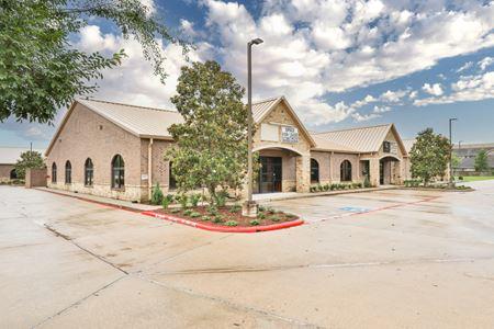 West Parkwood Business Center - Friendswood