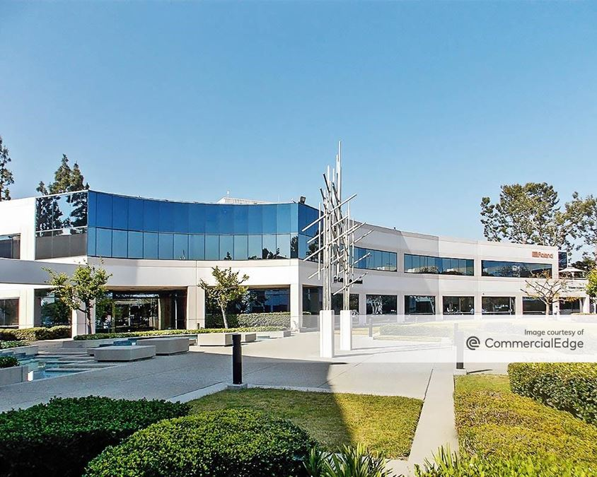 Commerce Office Park - 5100 South Eastern Avenue