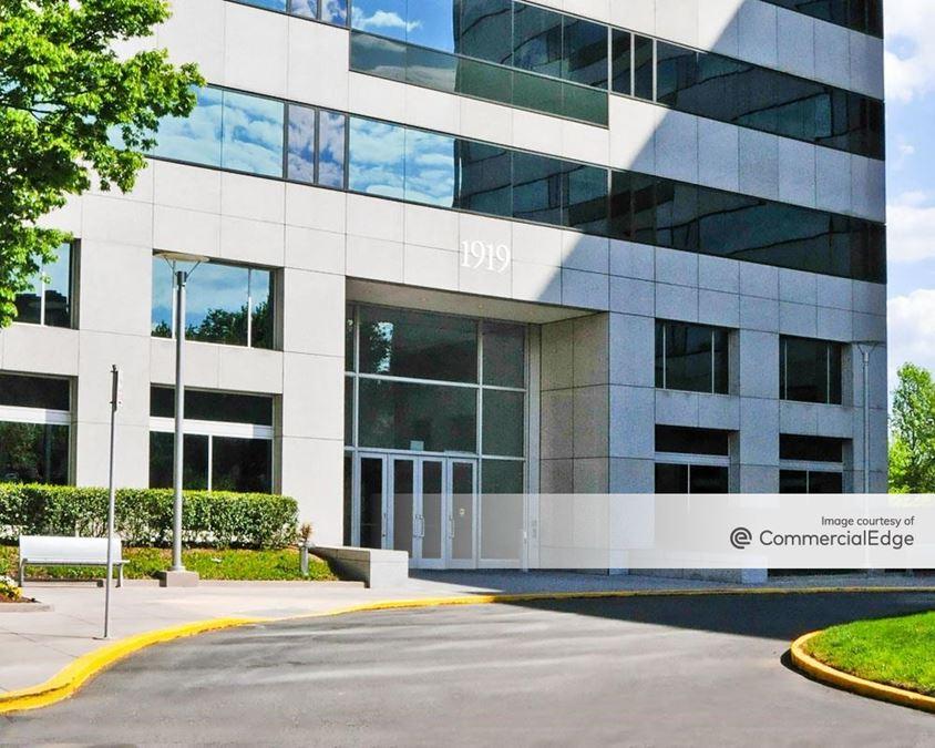 Tysons International Plaza
