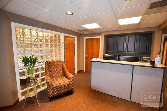 Great 1st floor Office Space