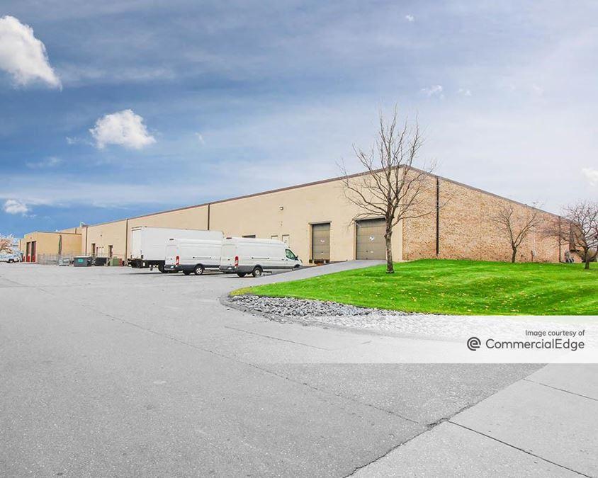810-890 Decatur Avenue North