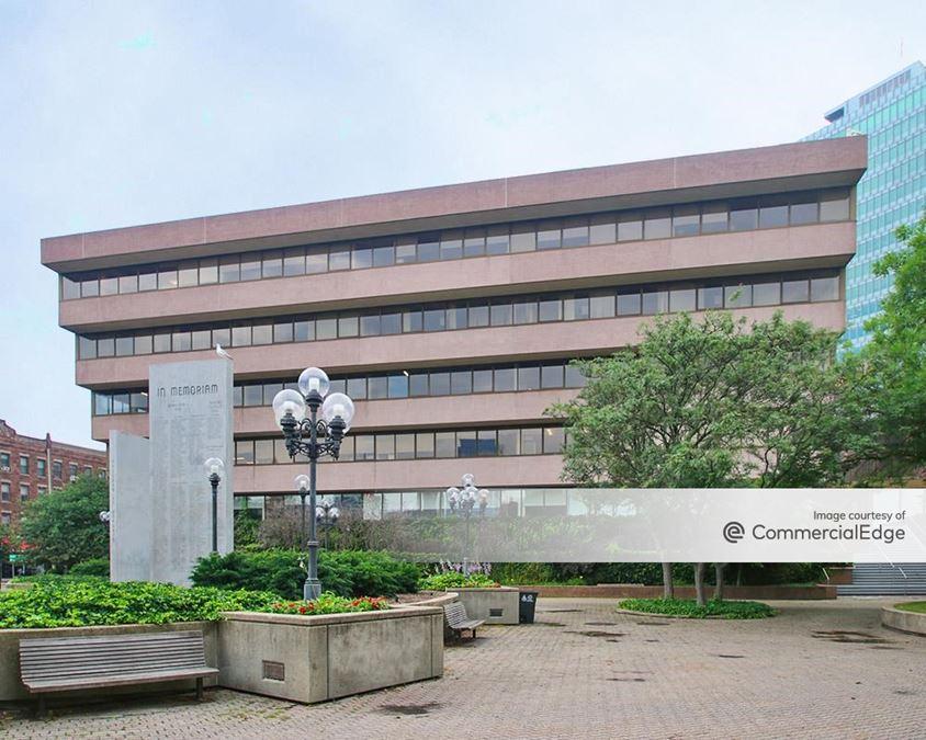 3 Landmark Square