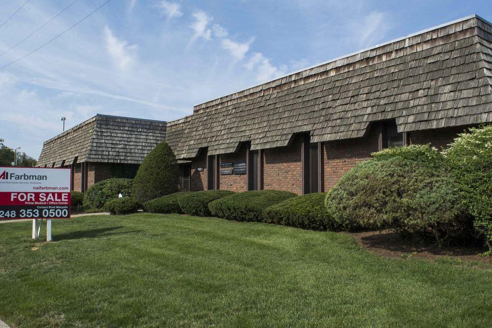 La Fontaine Professional Building