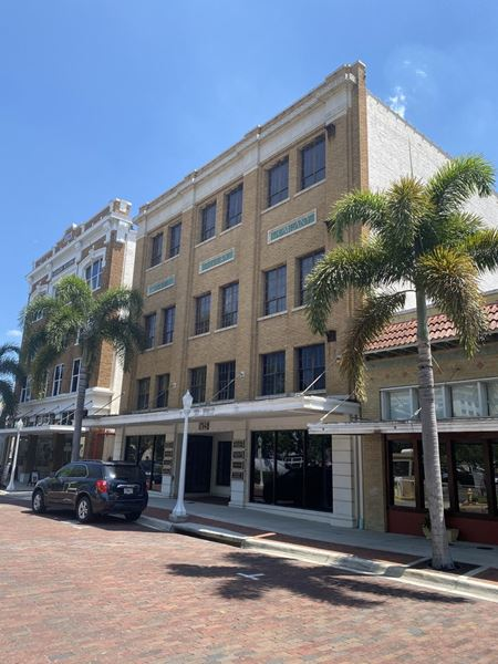 Robb & Stucky Building - Fort Myers