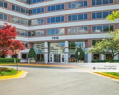 McLean Hilton Office Complex - McLean