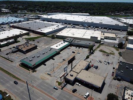 Cedarnole Shopping Center - Omaha