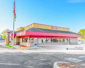 The Ventura Shopping Center - Ventura