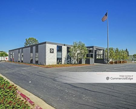 Airport Business Center - 17755-17785 & 18017-18021 Sky Park Circle