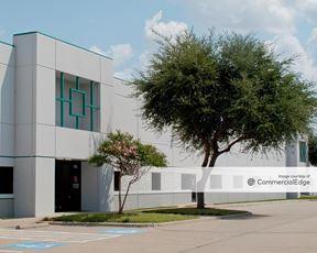 Prologis Plano Distribution Center - 2901 & 3001 Summit Avenue