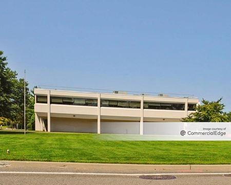 Dolan Family Health Center - Greenlawn