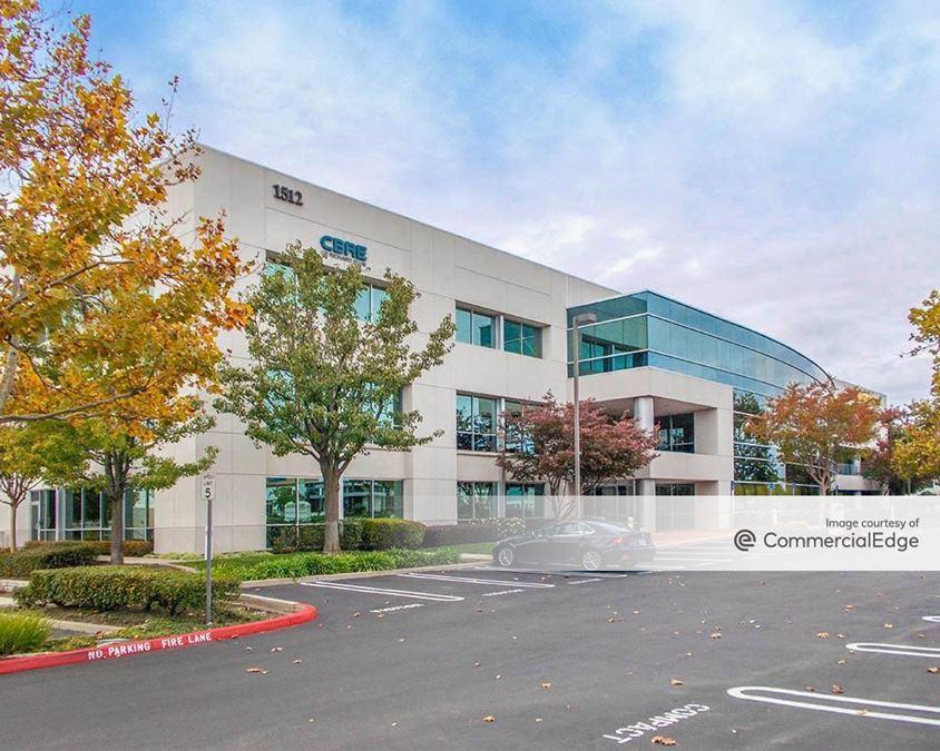Eureka Corporate Center - Tripoint Plaza