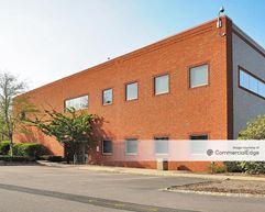 Brookside Office Park - 2 Edgewater Drive - Norwood