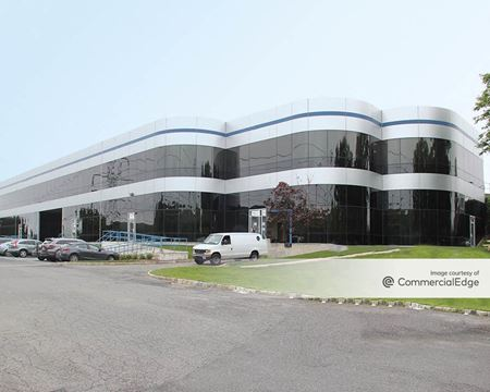Mid-Westchester Executive Park - 12 Skyline Drive - Hawthorne