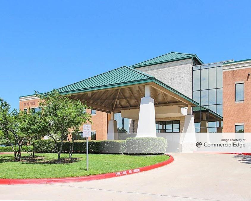 Medical Oaks Plaza - 2410 Round Rock Avenue