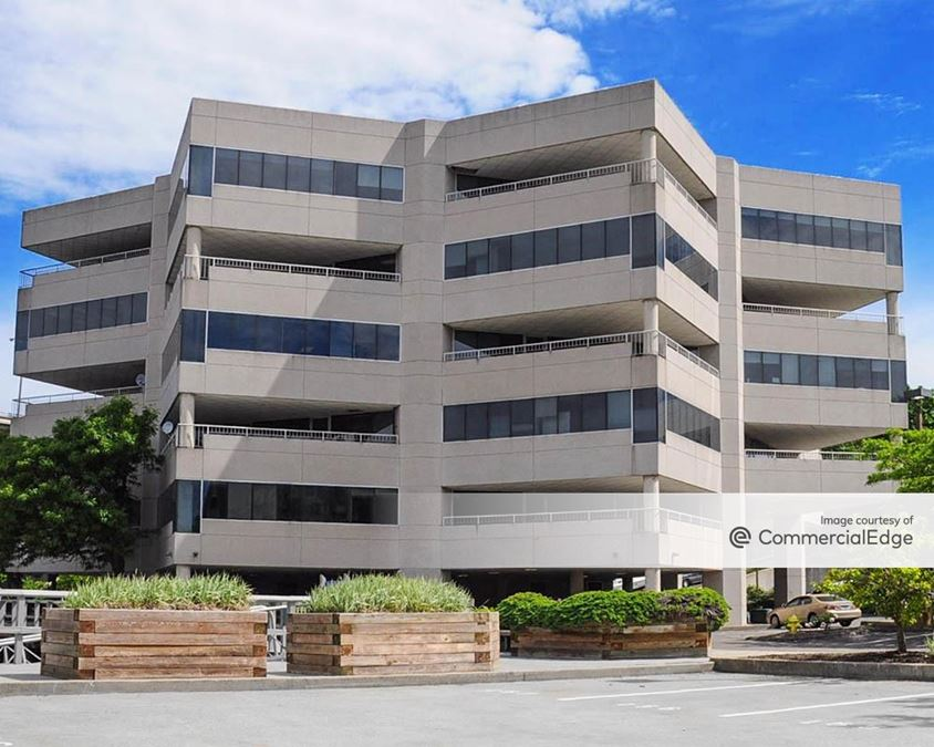 Shore Pointe Office Building