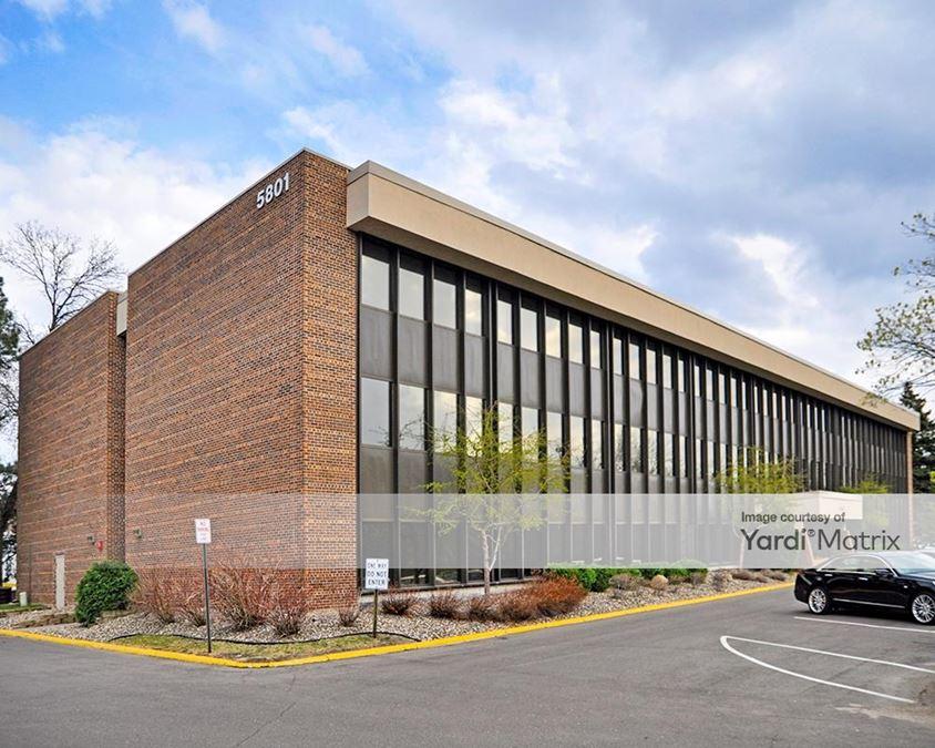 Bassett Creek Office Plaza