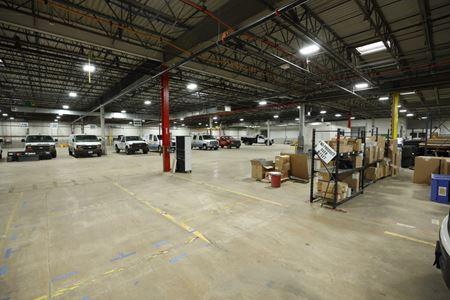 Office & Warehouse - Burr Ridge