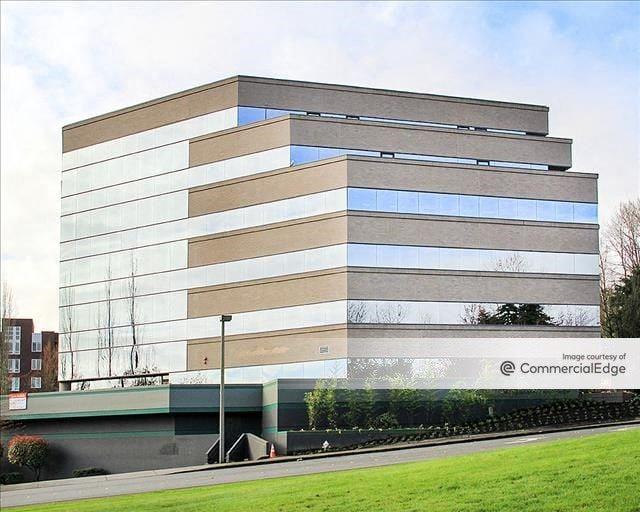 Island Corporate Center
