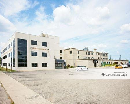 H. Warren Professional Building - Warren