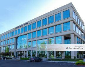 Woodward Centre - 7110 North Fresno Street - Fresno