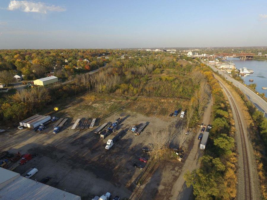 +/-15 AC Industrial Land near I-80