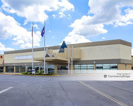 Dixie Medical Mall at Dixie Manor Shopping Center - Louisville