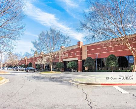 Lakeside at Peachtree Corners - 5390 Triangle Pkwy - Peachtree Corners