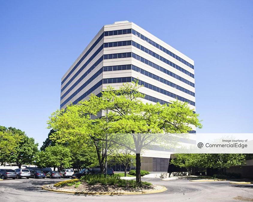 U.S. Cellular Plaza - 8420 West Bryn Mawr Avenue