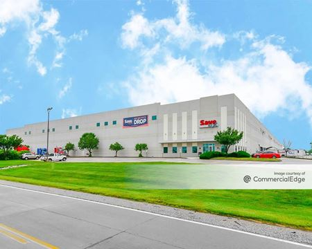 Gateway Commerce Center - 29 West Gateway Commerce Center Drive West - Edwardsville