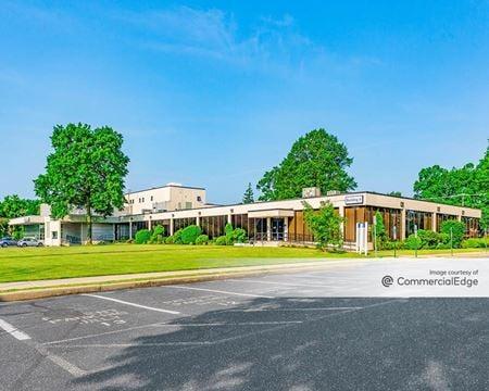 Register Plaza Medical Building - Shrewsbury