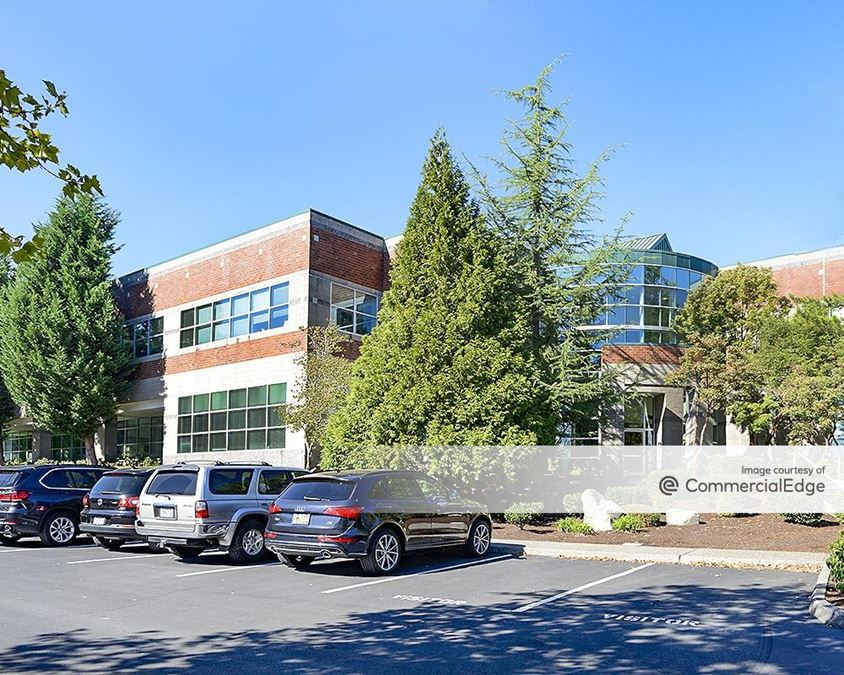 Cornell Oaks Corporate Center - The Commons