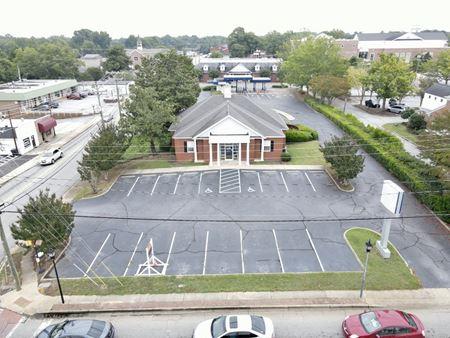 Former SunTrust Bank - Simpsonville