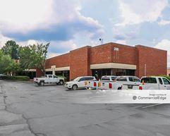 White Water Business Center - Buildings 100 & 200 - Marietta