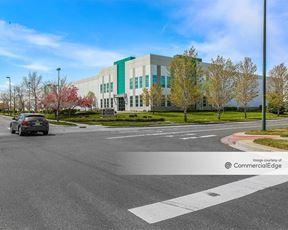 Stapleton Business Center - 4555 Geneva Street