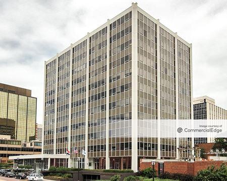 The 222 Building - St. Louis