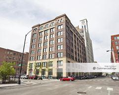 VCollective - 833 West Jackson Blvd - Chicago