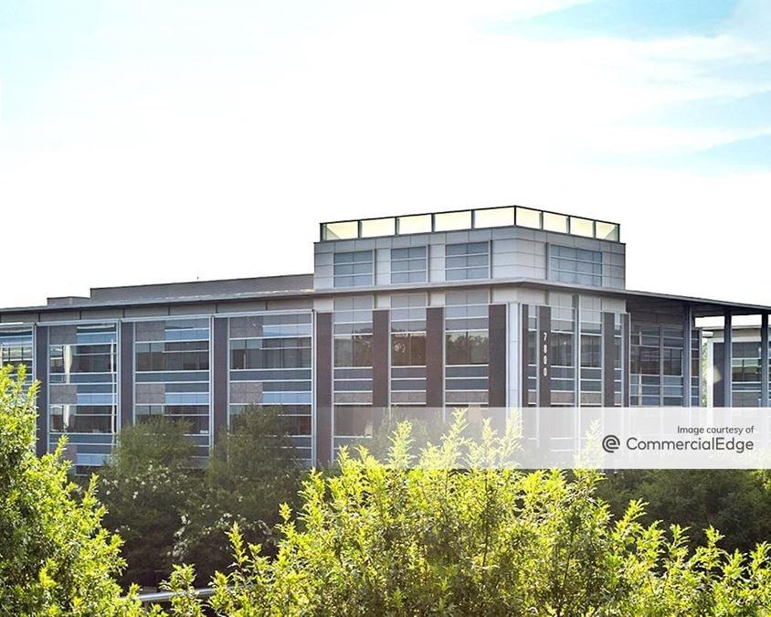 Charlotte Corporate Campus - 7800 Crescent Executive Drive