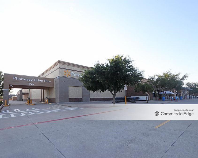Hickory Plaza - Walmart