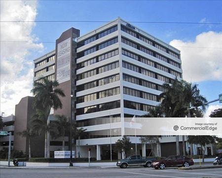 Bayshore Executive Plaza - Miami