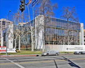 Warner Center Gateway - Woodland Hills
