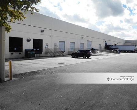 Miramar Park of Commerce - 10109-10181 USA Today Way & 3251 Commerce Pkwy - Miramar
