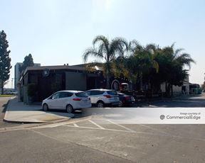 Saunders Plaza - Newport Beach