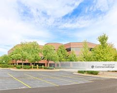 Brookfield Lakes Corporate Center - 18000 West Sarah Lane - Brookfield