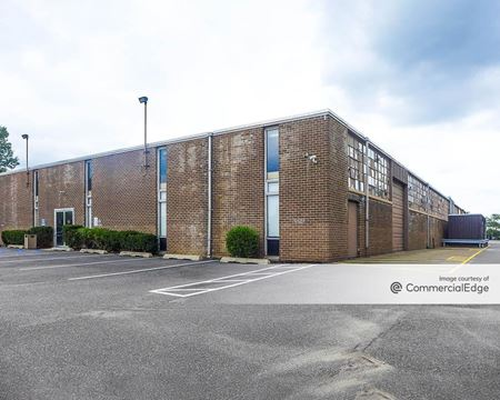 Crossways Corporate Park - 420-424 Crossways Park Drive - Woodbury