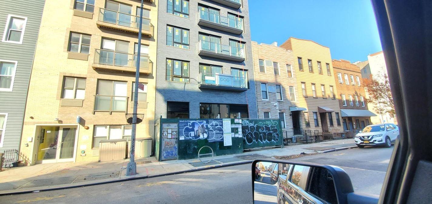653 Metropolitan Ave
