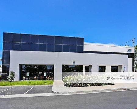 Los Alamitos Corporate Center - 4332, 4380-4420 & 4422-4478 West Cerritos Avenue - Los Alamitos