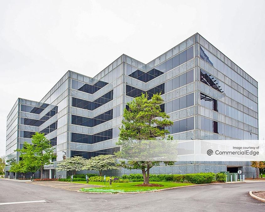 1700 Higgins Centre