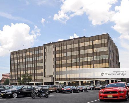 Meadowlands Corporate Center - 1050 Wall Street West - Lyndhurst